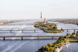 Iedzīvotāji atzinīgi vērtē Rīgas pašvaldības darbu un procesus pilsētā