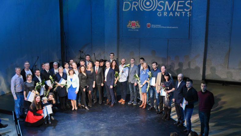 """""""Rīgas drosmes grants"""" – gudrās naudas atbalstu iegūst 25 biznesa idejas"""